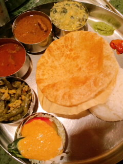 インド料理をめぐる冒険 をめぐる冒険_c0033210_1837665.jpg