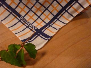 handkerchief    思い出の大判ハンカチ_a0165160_5425829.jpg