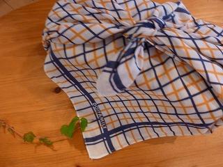 handkerchief    思い出の大判ハンカチ_a0165160_595695.jpg
