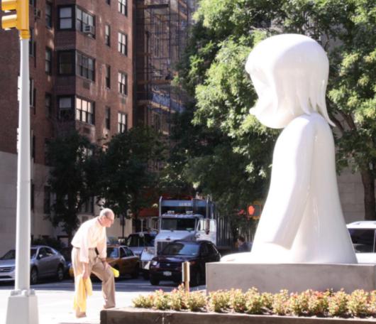ただ今NY滞在中の可愛いおっきなオバケちゃん [Yoshitomo Nara : Nobody's Fool]_b0007805_1011592.jpg