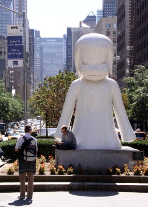 ただ今NY滞在中の可愛いおっきなオバケちゃん [Yoshitomo Nara : Nobody's Fool]_b0007805_1164642.jpg
