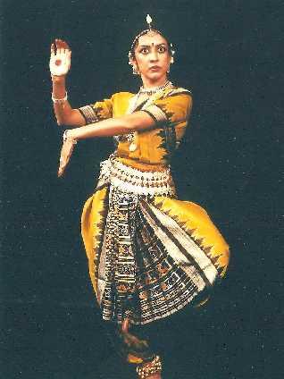 Radhika Jha (ラディカ・ジャー)- インド古典舞踊 「オディッシー」公演_e0081206_13135269.jpg