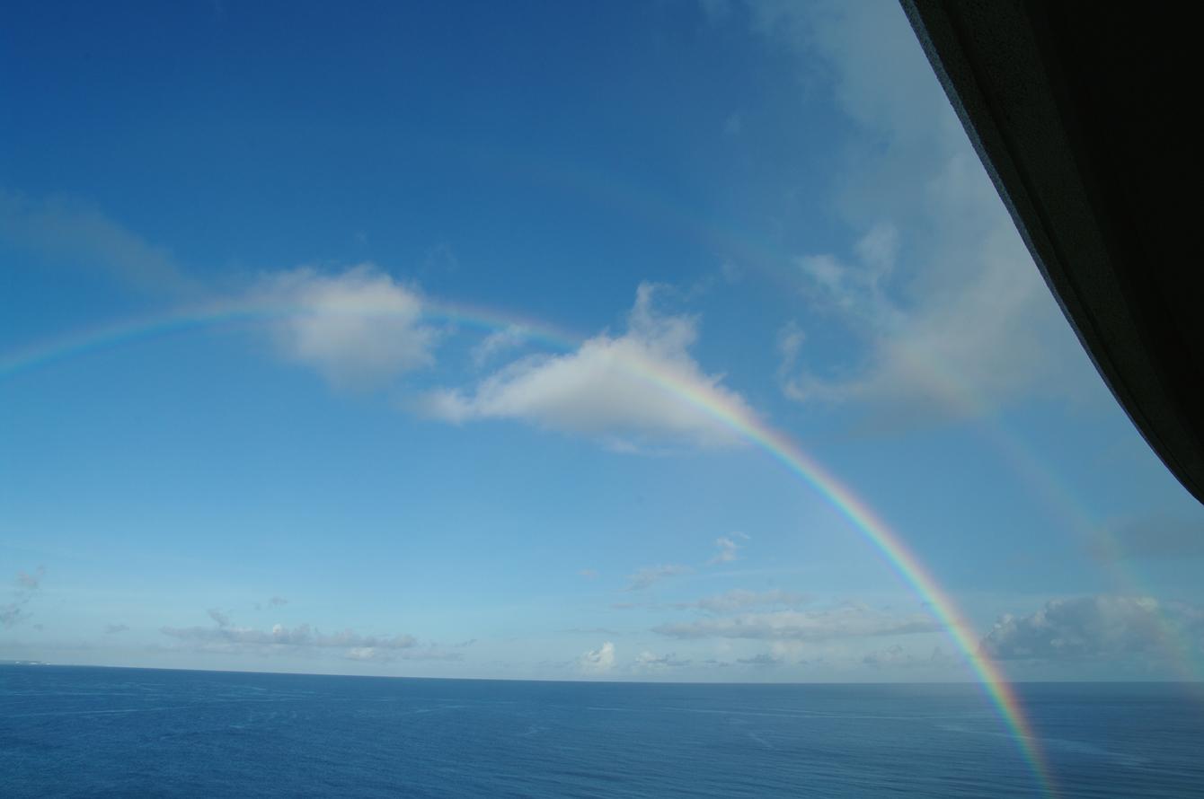 2010年夏のグアム旅行(最終回の前半)~ビーチに掛かる虹、Natur Trail~_c0223825_2245685.jpg