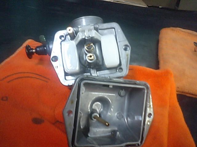 3 NSR50エンジンO/H_e0114857_21272826.jpg