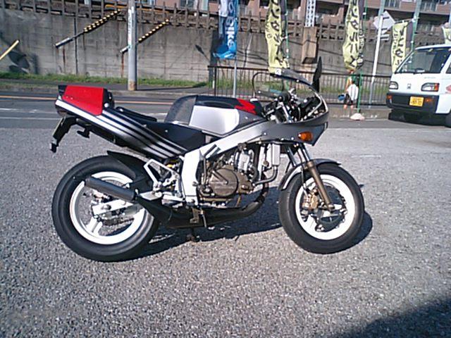3 NSR50エンジンO/H_e0114857_21472023.jpg