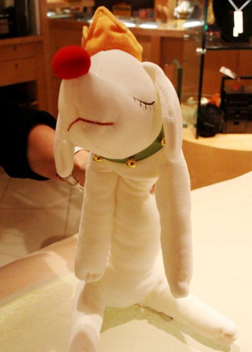 皆を幸せな気持ちにする奈良美智さんの白いワンちゃん_b0007805_321342.jpg