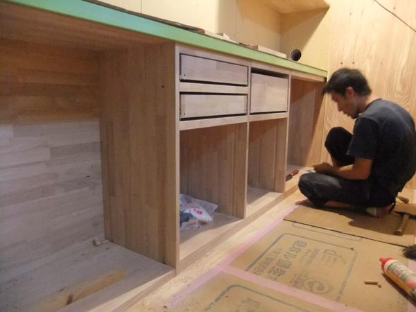 キッチン家具 施工進んでいます!_c0225122_15563968.jpg