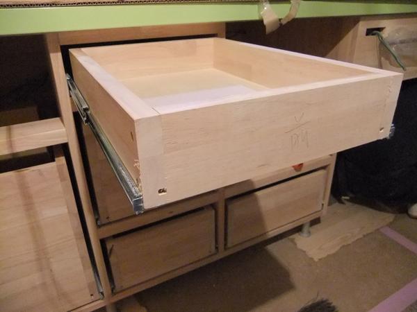 キッチン家具 施工進んでいます!_c0225122_15581044.jpg