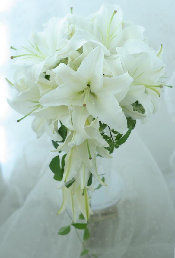 シェ松尾青山サロン様の装花 バラとユリ_a0042928_20252942.jpg
