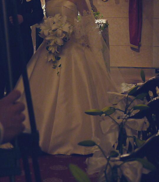 シェ松尾青山サロン様の装花 バラとユリ_a0042928_2026230.jpg