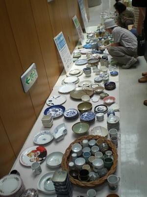 「ガラス食器の回収もスタートしました」2010年7月1日   生駒市南コミュニティーセンターせせらぎにて_c0206588_22315215.jpg