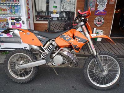 本日のバイク!_f0194657_17154034.jpg