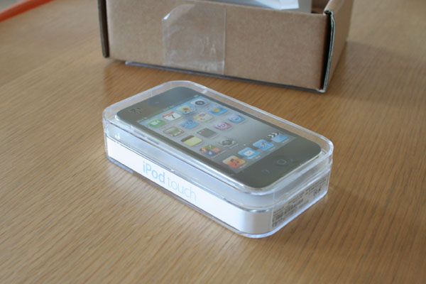 New iPod touch 到着_f0098083_6192565.jpg