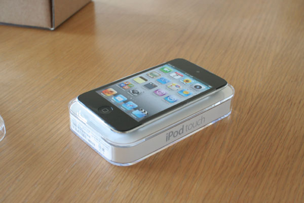 New iPod touch 到着_f0098083_6193789.jpg