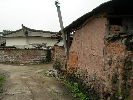 道の果ての村へ_b0129725_0365517.jpg