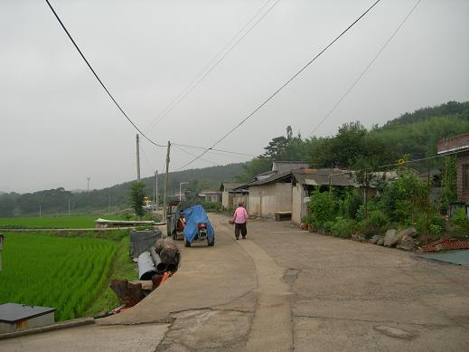 道の果ての村へ_b0129725_0402421.jpg