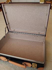 b7078a06be Globe Trotterのアタッシュケース : 幌馬車2台の道楽日記