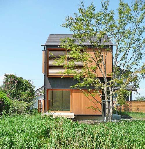 小さな森の家(i-works 15坪の家)_b0014003_10121674.jpg