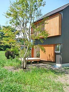 小さな森の家(i-works 15坪の家)_b0014003_10123995.jpg
