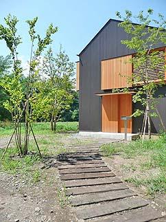 小さな森の家(i-works 15坪の家)_b0014003_1012508.jpg