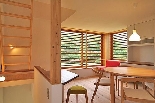 小さな森の家(i-works 15坪の家)_b0014003_10194863.jpg
