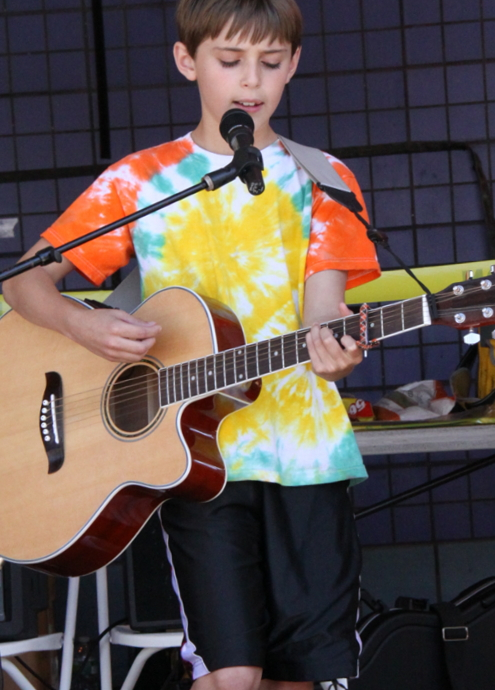 カワイイ小学生男子ミュージシャンのライブに遭遇_b0007805_691393.jpg