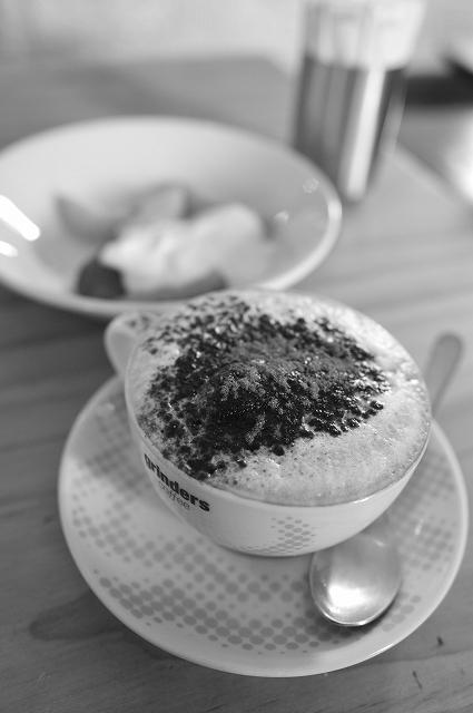 メルボルンで朝食を_f0050534_8371326.jpg