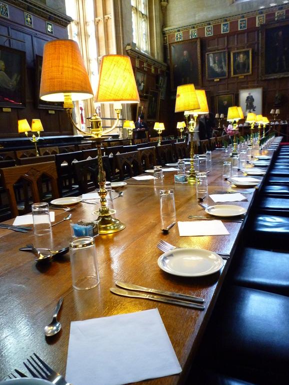 オックスフォード大学の豪華食堂_b0170162_22351189.jpg