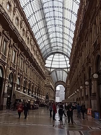 ミラノの旅 1♪_b0105897_2253968.jpg