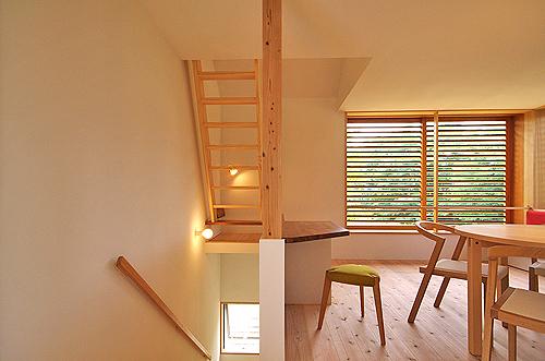 小さな森の家(i-works 15坪の家)_b0014003_1457262.jpg