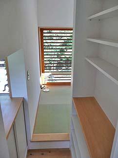 小さな森の家(i-works 15坪の家)_b0014003_1458116.jpg