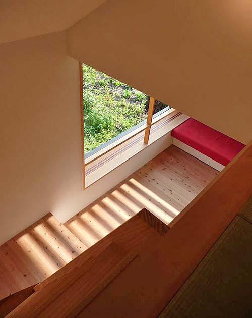 小さな森の家(i-works 15坪の家)_b0014003_151163.jpg