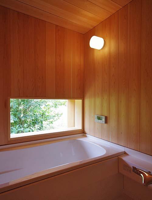 小さな森の家(i-works 15坪の家)_b0014003_1616304.jpg
