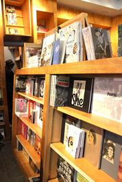 マーク・ジェイコブスが手がける書店ブックマーク!_c0050387_16332688.jpg