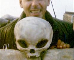 シーランドの頭がい骨:宇宙人の頭がい骨が見つかった!_e0171614_22564818.jpg