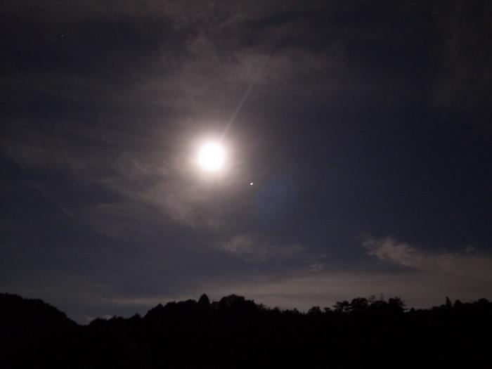 今夜は満月_c0116915_2331216.jpg