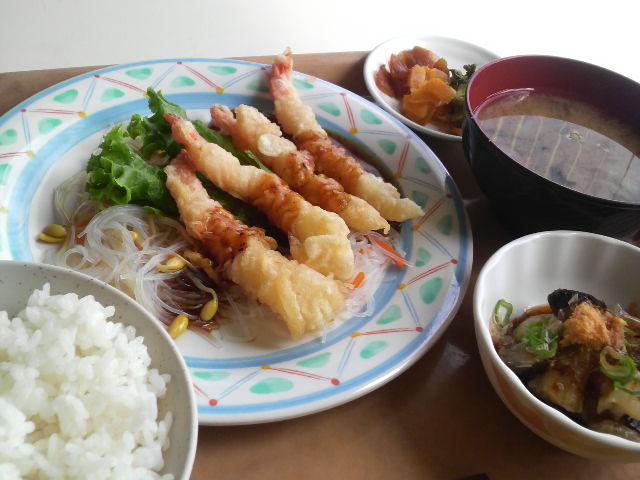 社員食堂_a0105740_1822683.jpg