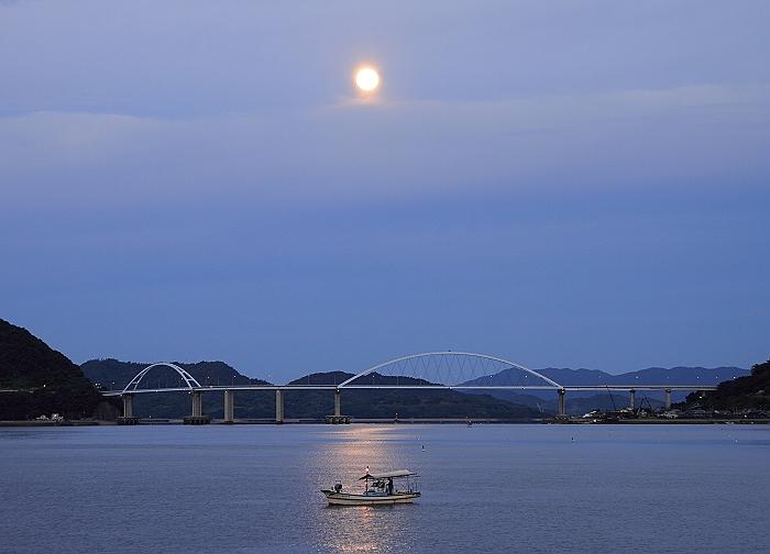 """満月の """"月明かりの漁""""_a0140608_21461029.jpg"""