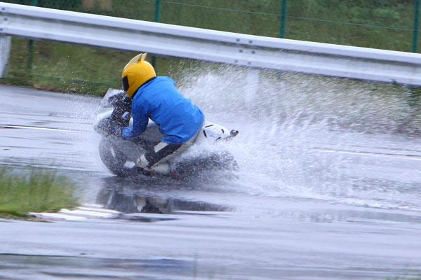 雨のトミンBコース_d0067418_1032935.jpg