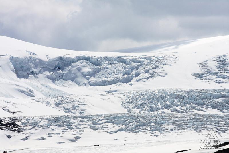 065 Columbia Icefield ~氷河の上を歩く~_c0211532_1151978.jpg
