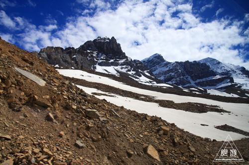 065 Columbia Icefield ~氷河の上を歩く~_c0211532_1204421.jpg
