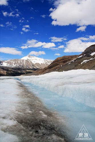 065 Columbia Icefield ~氷河の上を歩く~_c0211532_12401360.jpg
