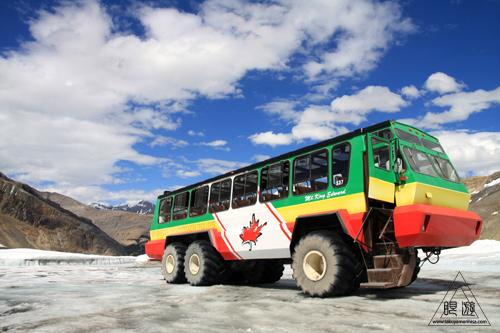 065 Columbia Icefield ~氷河の上を歩く~_c0211532_1254432.jpg