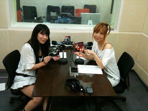 naoがパーソナリティを務めるwebラジオ!「Radioなおしゃべる。」毎週水曜日配信中!榊原ゆいさんが登場!_e0025035_116503.jpg
