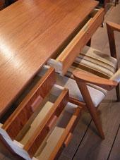 Desk (DENMARK)_c0139773_1839448.jpg