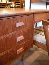 Desk (DENMARK)_c0139773_18425128.jpg