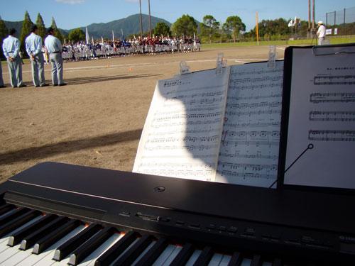 少年野球大会開会式演奏_a0047200_1157957.jpg