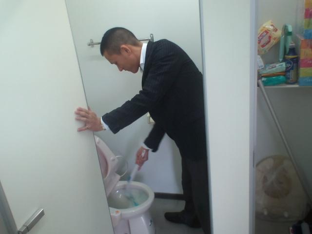 店長のニコニコブログ!ランクル200 御成約☆_b0127002_21313789.jpg