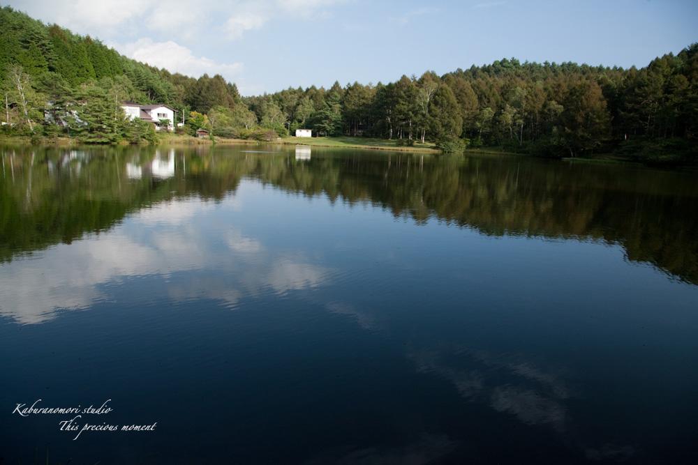 小さな湖畔_c0137403_17544688.jpg
