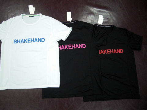 シェイクハンドTシャツ_e0052012_1181658.jpg